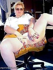 Fatty grandma has a big butt in pantyhose