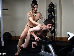 Jay Wimp has been sitting around eating chocolate and watching TV. He needs a real woman to...