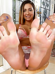 Jaye cant wait to get fucked. But she wants her feet sucked too. This girl is so soft and sexual...