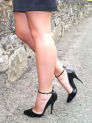 New Stiletto Girl Penny shows off her sexy curves and high black stiletto heels