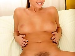 Babe's Hairy Pussy Gets Gaped