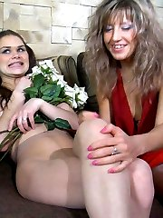 Voluptuous sappho in shiny pantyhose luring a pretty babe into numbers game