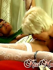Chubby mature chick thrusting her tongue into young pussy at full force