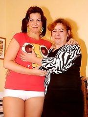 mature Sandie gets hot with babe Jennifer