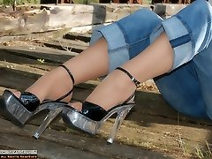 Outdoor with Angel in jeans and suntan pantyhose