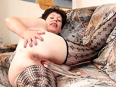 This housewife gets her pussy steamy