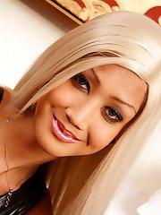 Fetish blonde Ladyboy