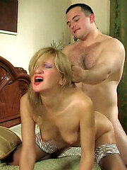 Pulverizing looking mature babe getting spread-eagled in breathtaking coupling