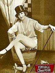 Burlesque ladies go bare