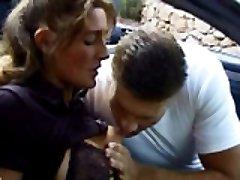 Desperate couple gets hardcore knocked up outside