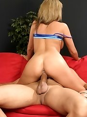 Buxom blondie Sophia Gently climbs on top of her partners lap and gives the spear a ride