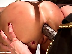 Carter Cruise makes her debut at Kink.com right here at Whipped Ass! Carter is an all natural...