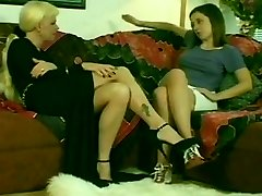 Super Hot Blonde Shemale & Scorching Teen Brunette Girl