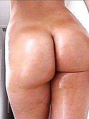 Bootyliscious Blond Fucking And Sucking