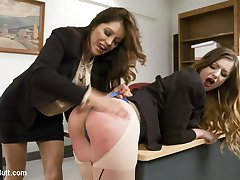 Stella Cox is the 1 sales person at the telecom knife sales company. Francesca Le wants to...
