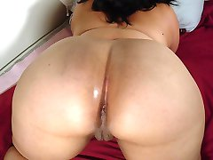 Black amateur BBW with big tits and fat ass