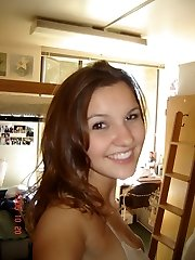 Hot teenagers take naked pics in their bedrooms!