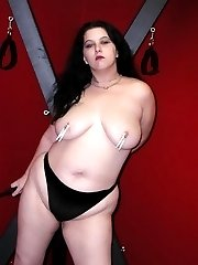 Plump kinky gothic chick with saggy boobs