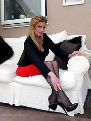 Dr Holly specialises in sexual therapy and fetish, so you need to come to her in full submission of your sexual fantasies. Her high heel shoes and her look will then raise your desires to heights of passion that you have never known and finish you off completely in hot high heel sensation