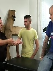 Sam is at again! This time around, Antonio wants to buy Sams exam table for his new sex club and...