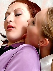 Naughty chick spying upon pony-tailed babe in suntan pantyhose peeing in WC
