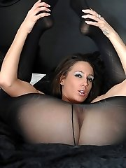 The tall dark, brunette beauty that is Tammie Lee simply looks irresistable as she works her...