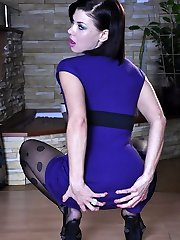 Slender-legged teaser gets naughty changing into electric blue patterned hosepipe