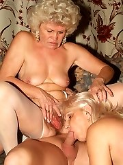 Flabby booty matures Francesca and Erlene taking turns in sucking off and riding a dinky on top