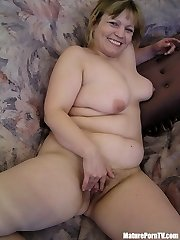 Naked mature mummy showing unshaved pussy