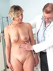 49 years old fine lady Vanda complete gyno clinic exam