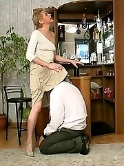Lewd mom with pussy on fire cowgirl riding on throbbing cock right on floor
