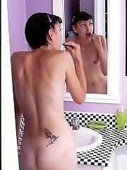 Peek Shot Nude Babe in the Bathroom Peeing