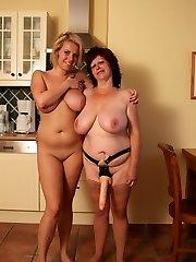 Hot blonde babe doing a mature lesbian