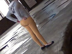 Dominican Milf Yellow Spandex HD