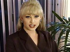T-Girl Dominatrix-Mega-bitch Brandy Scott