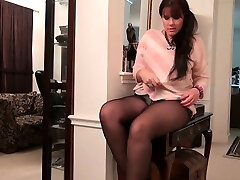 Yankee moms in pantyhose Lauren, Jewels and Lexy