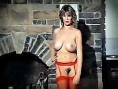 ADDICTED TO LOVE - vintage 80's gigantic jugs striptease dance