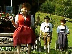 Tanja Fieldmann, Effie Balconi  German Old School