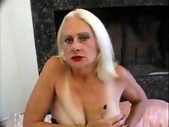 Hawt grandma Kathy Jones - classic US pornstar