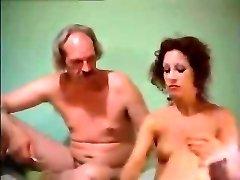 Amazing blonde lady gives masturbate off instructions