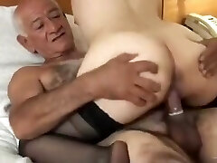 Two Viejos Peludos Se culean a Cumbiera Villera muy Caliente