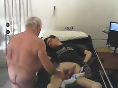 Str8 daddy takes care of all needs - hidden cam