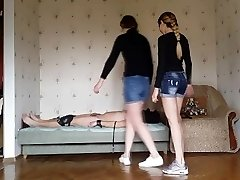 FFM session #28 Pussy-smothering