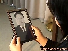 Japanese mature babe has hawt sex