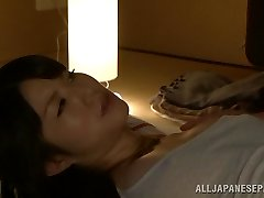 Sexy Asijská milf Chizuru Sakura fucks s její soused