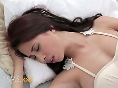 ORGASMS Young busty oriental indian girl romantic breeding