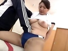 Sexy oriental in the Gym
