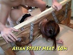 Ázijské Sweety Sodomised V Pančuchy A Stavy