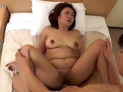 beautiful Chinese mature (censored)