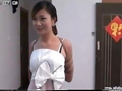 Čínske dievča v otroctve